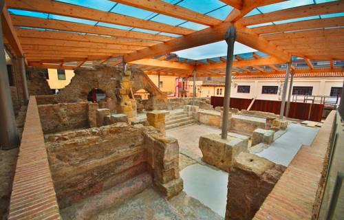 Roman baths of Caldes de Malavella. CC BY-SA 3.0 - Gigiland / Wikimedia Commons