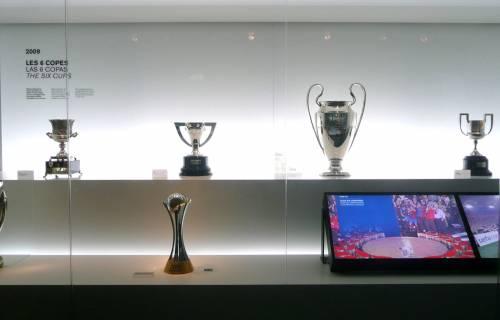 Detall dels sis títols guanyats pel FC Barcelona l'any 2009, custodiats al museu. CC BY-ND 2.0 - Eduardo Zárate / Flickr