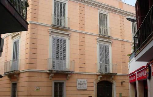 Detall de la façana de Can Llopis. CC BY-SA 3.0 - Pere López / Wikimedia Commons