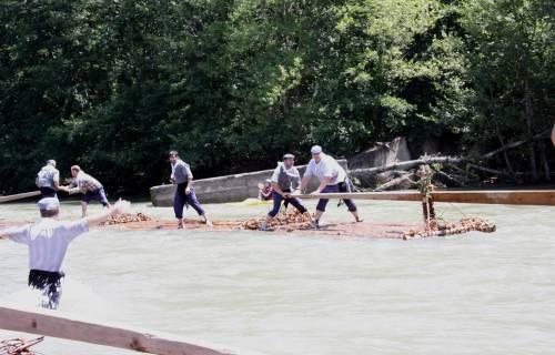 Baixada del riu amb un rai. CC BY 2.0 - CDC / Flickr