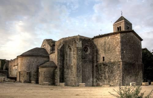 Monastery of Santa Maria de Vilabertran. Albert Sarola Juanola / Wikimedia Commons. CC BY-SA 3.0 ES