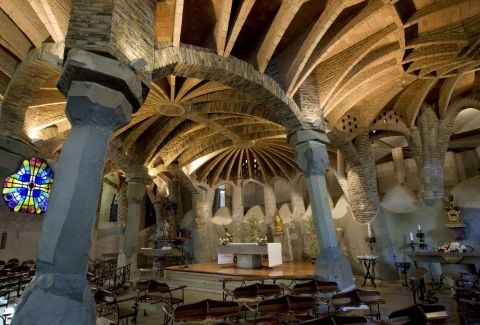 "Interior de la Cripta de la ""Colònia Güell"". Bob Masters / DGPC"