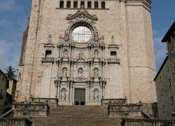 Claustre i campanar de la catedral de Girona