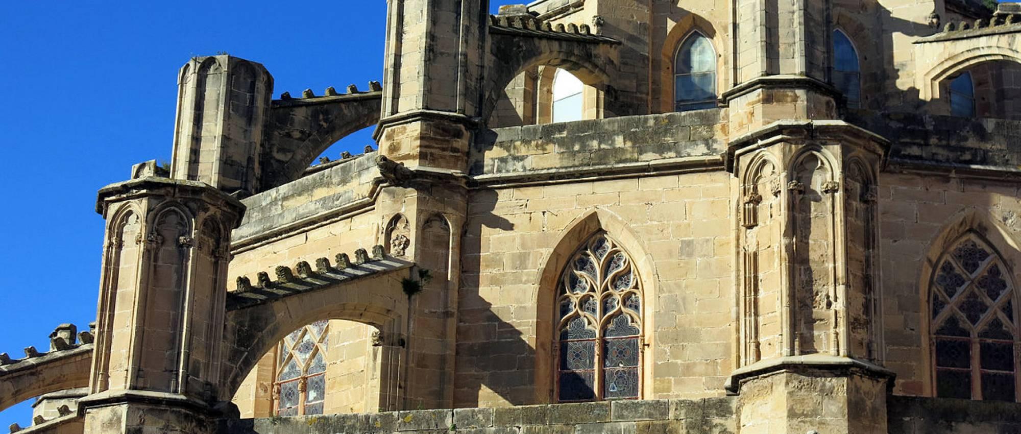 Contraforts i arcbotants de l'absis de la catedral de Sta. Maria de Tortosa. Enric / Wikimedia Commons. CC BY-SA 3.0