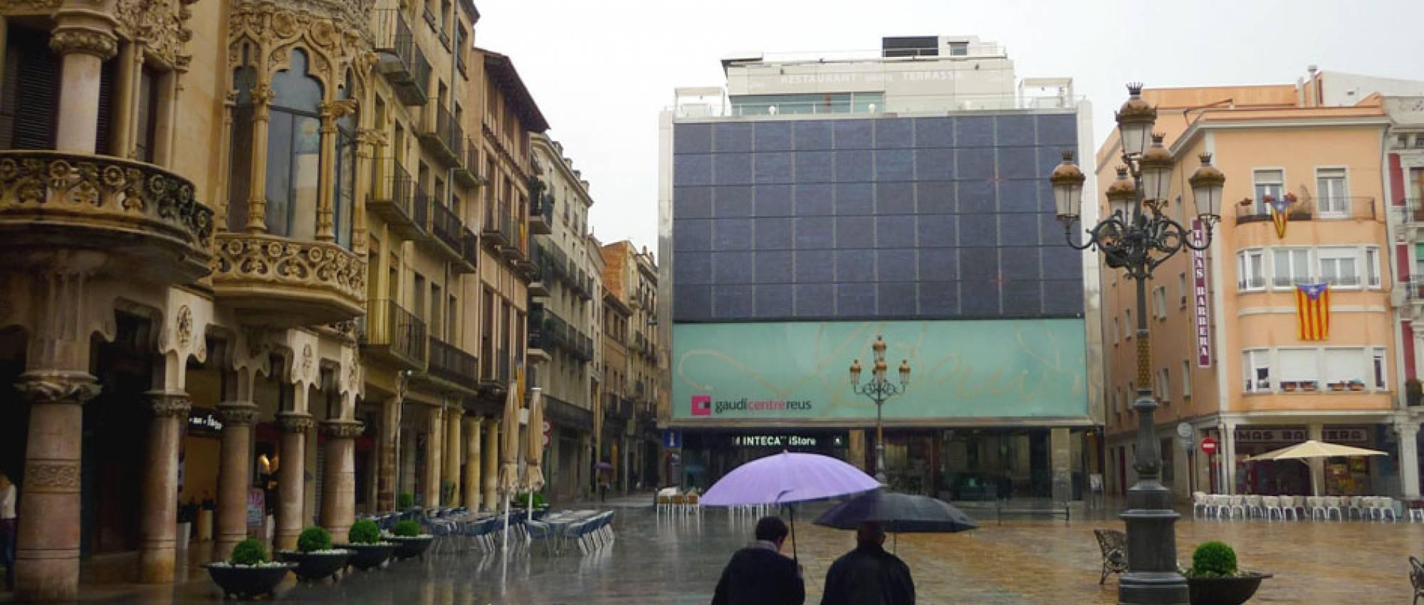 Vista exterior del edifici Gaudí Centre de Reus. calafellvalo / Flickr. CC BY-NC-ND 2.0