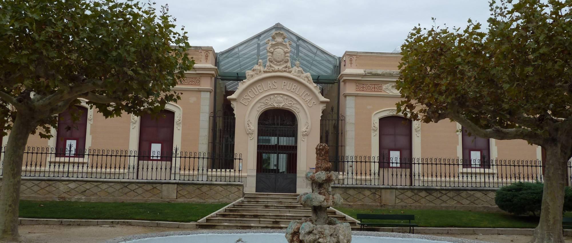 Antiguas Escuelas Miquel Granell. CC BY-SA 3.0 - Deosringas / Wikimedia Commons