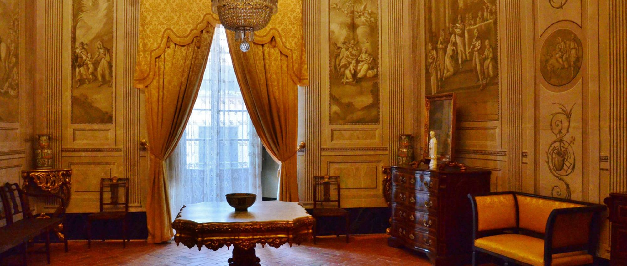 Interior del Museu Romàntic Can Papiol. CC BY-SA 2.0 - Maria Rosa Farre / Wikimedia Commons