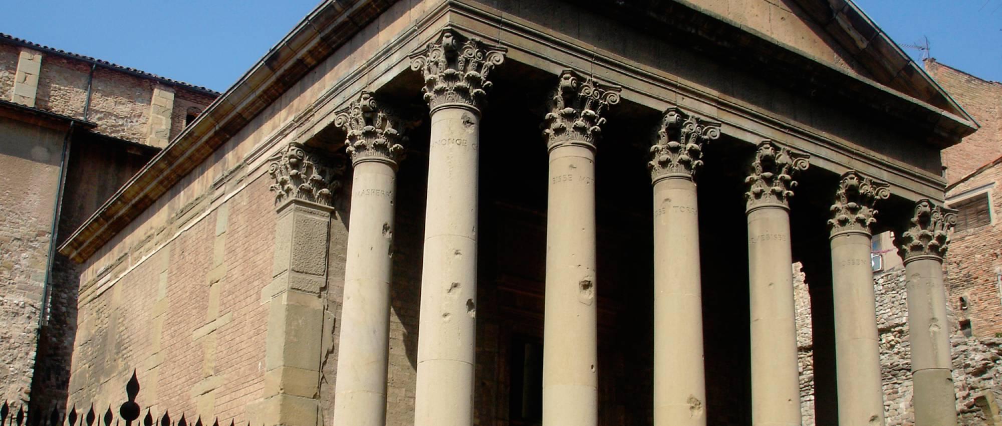 Fachada del templo romano de Vic. Dominio Público