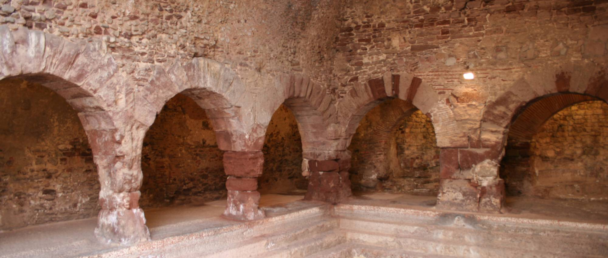 Termas romanas de Caldes de Montbui. CC BY-SA 3.0 - Wikimedia Commons