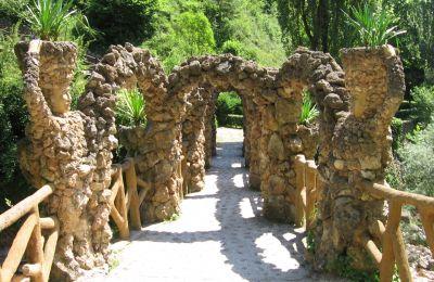 Jardí de Can Artigas. Canaan / Wikimedia Commons. GFDL