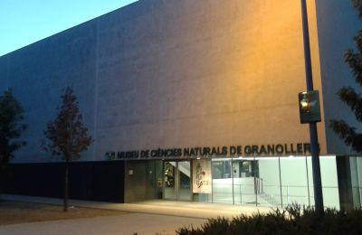 Façana del Museu de Ciències Naturals de Granollers.  CC BY-SA 4.0 - Vàngelis Villar / Wikimedia Commons